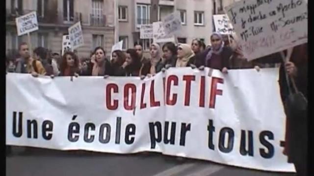 Octobre 2003, Alma et Lila Levy sont exclues du Lycée Henri Wallon d'Aubervilliers pour le seul motif qu'elles portent un foulard. S'en est suivi un débat politique et médiatique assourdissant, justifiant dans la plupart des cas l'exclusion des jeunes filles qui portent le foulard à l'école. Février 2004, une loi finit par être votée par [...]