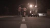 Vision d'un travail âpre et régulier, Michael et Nicolas peignent le marquage au sol des routes, la nuit. Sarah Munro – 8min – 2015