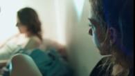 Octobre 2018. Mat et ses ami.es organisent un atelier d'auto-gynécologie dans leur squat à Nantes. C'est l'occasion pour Pauline de faire un portrait de cette jeune femme. Pauline Penichout / La Fémis – Marion Durin / 26min / 2019 https://vimeo.com/399187986