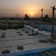 Maxmur : au beau milieu du désert, faisant face à Daesh et à tant d'autres ennemis, armes à la main, 12 000 hommes, femmes et enfants venus de villages et de régions différentes ont développé un système d'auto-organisation partant du bas. De par le monde douze millions de personnes vivent aujourd'hui dans des camps de réfugiés, [...]