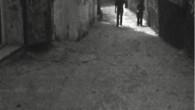 Une rencontre avec trois jeunes réalisateurs palestiniens, réfugiés du camp de Deisheh, autour de leur pratique du cinéma. La rencontre se fait via la machine d'enregistrement, une caméra Super 8 Nizo. Leur discussion sur le fait de réaliser des films en tant que réfugiés palestiniens, sur ce que c'est que de faire des films en [...]